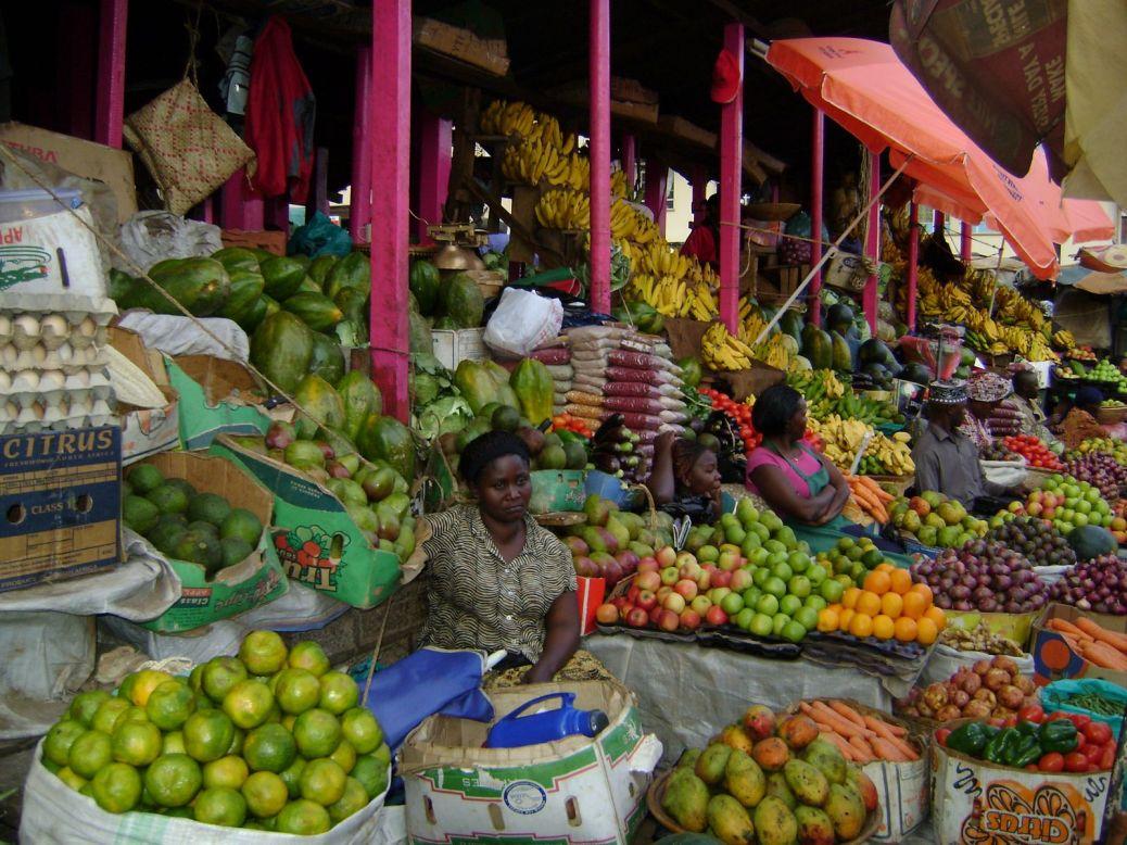 temak-november-8th-beautiful-market-across-the-street-from-tourist-hotel-kampala