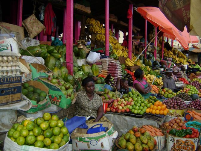 temak-november-8th-beautiful-market-across-the-street-from-tourist-hotel-kampala
